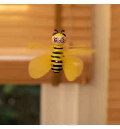 Abeja voladora